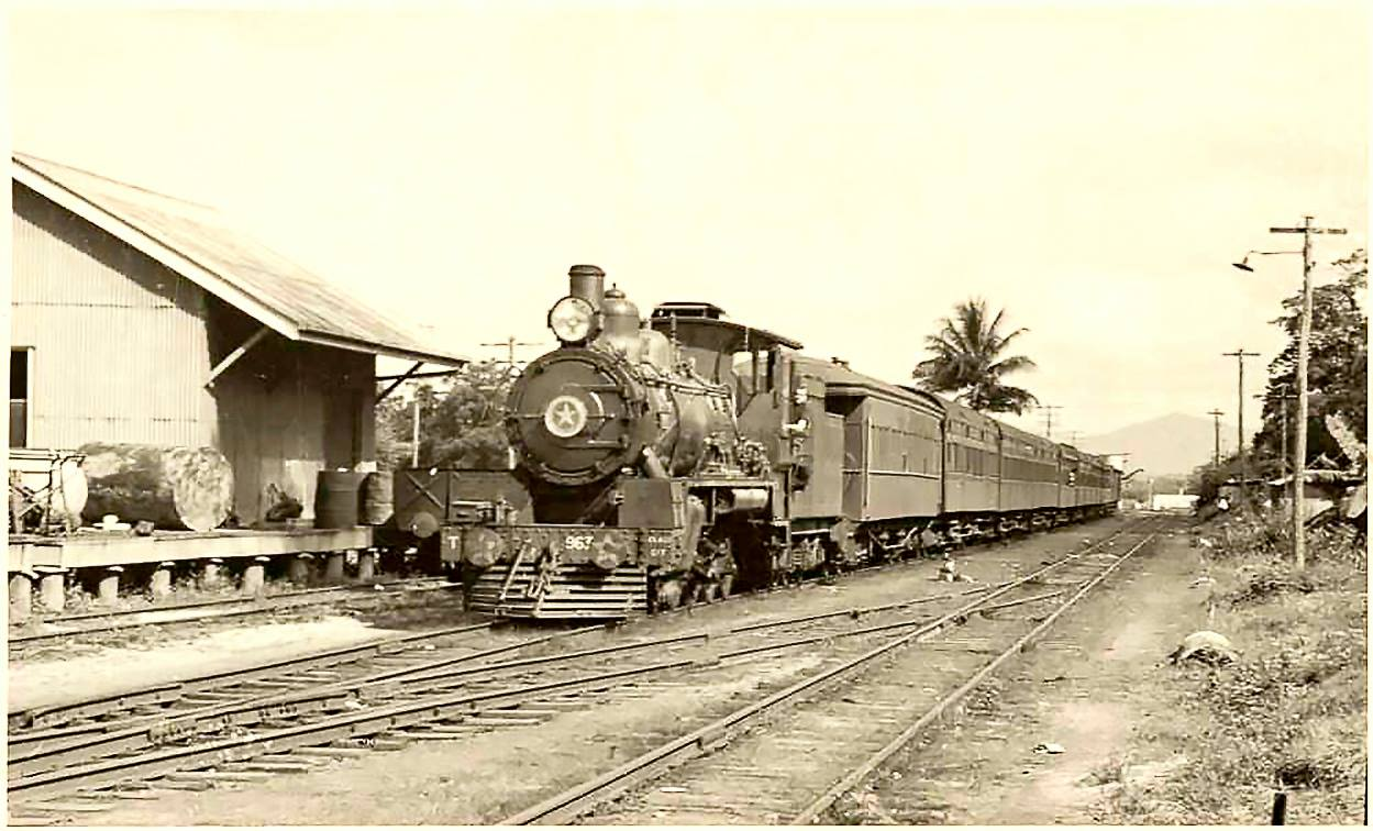The-Sunshine-Express-at-Babinda-1951